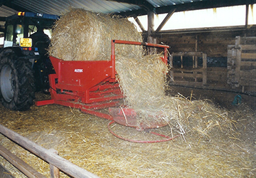 disc-straw-spreader-inside-buildings