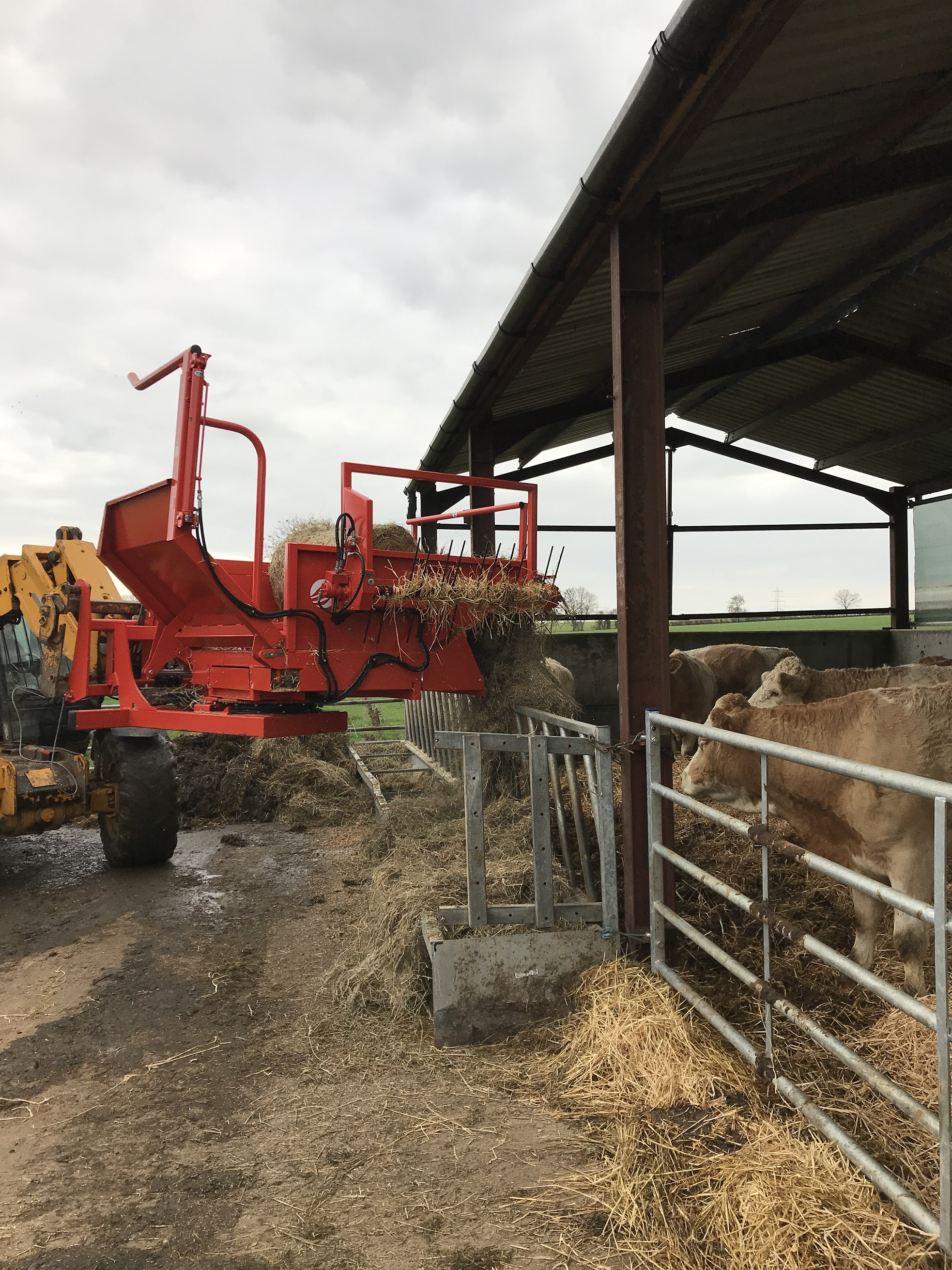 cattle-bale-feeding-machinery