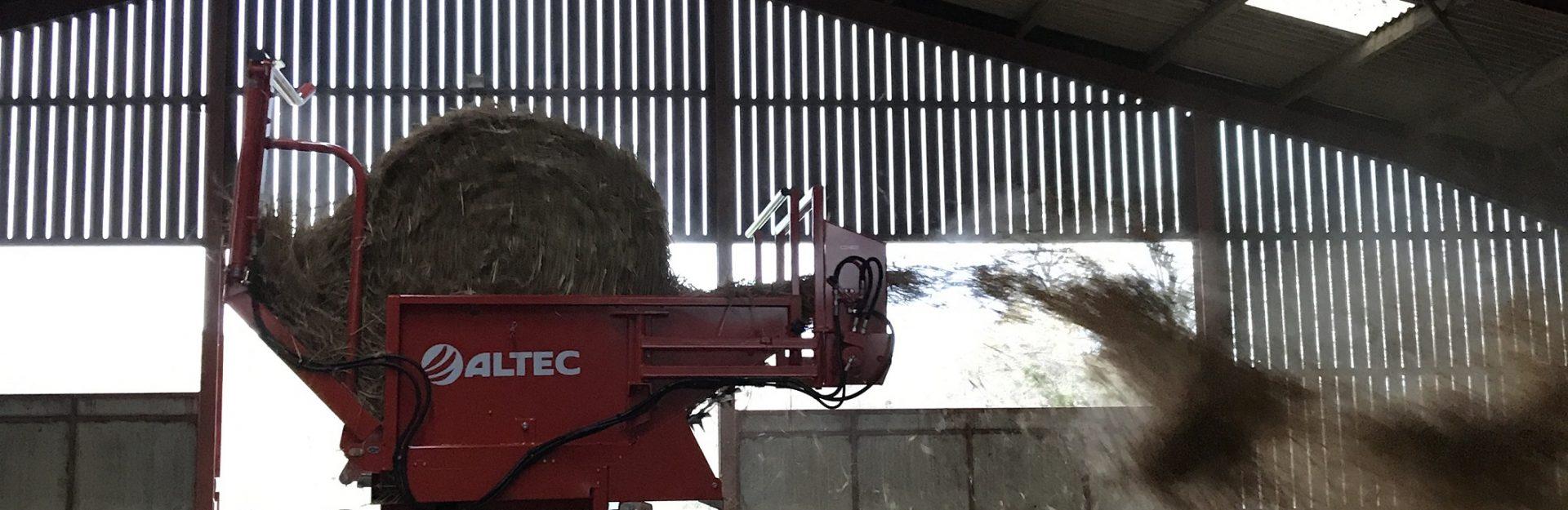 Round Bale Straw Spreading
